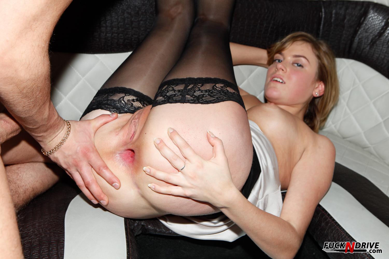 Смотреть онлайн бесплатно порно имеют в попец 10 фотография