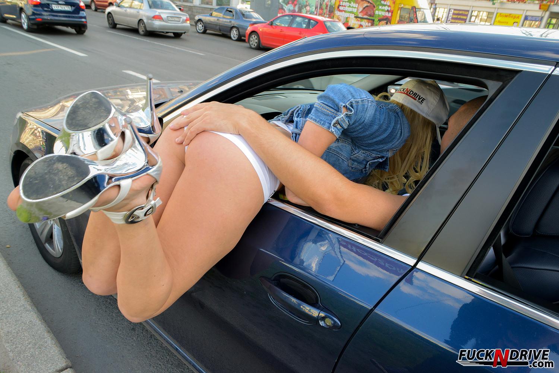 Русское порно сняли на трассе 9 фотография
